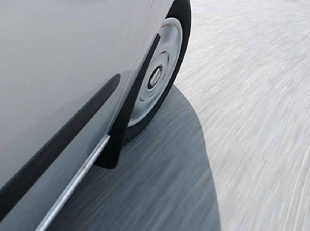 trekt auto naar links of rechts, dan is auto uitlijnen nodig